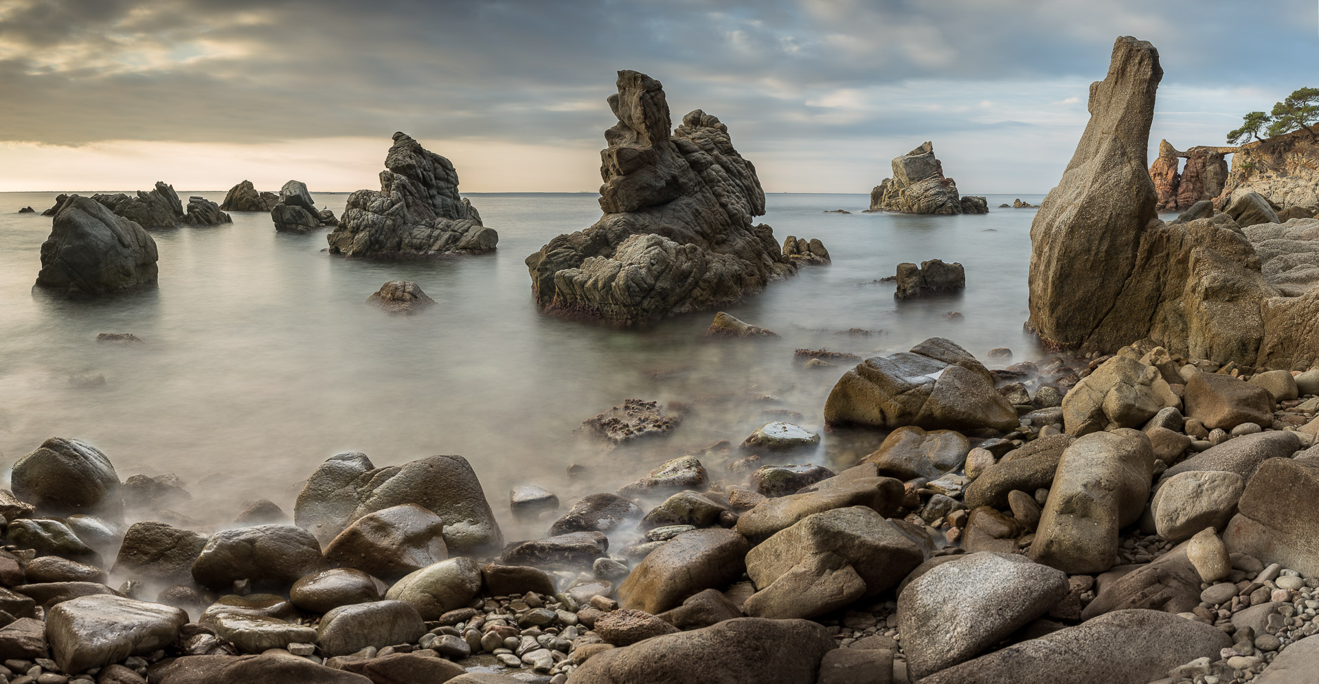 Fotografía de paisaje en Cala Frares panoramica, Lloret de Mar, filtro ND, larga exposición con Canon 6D,Danilatorre,danilatorre, Dani Latorre, daniel Latorre