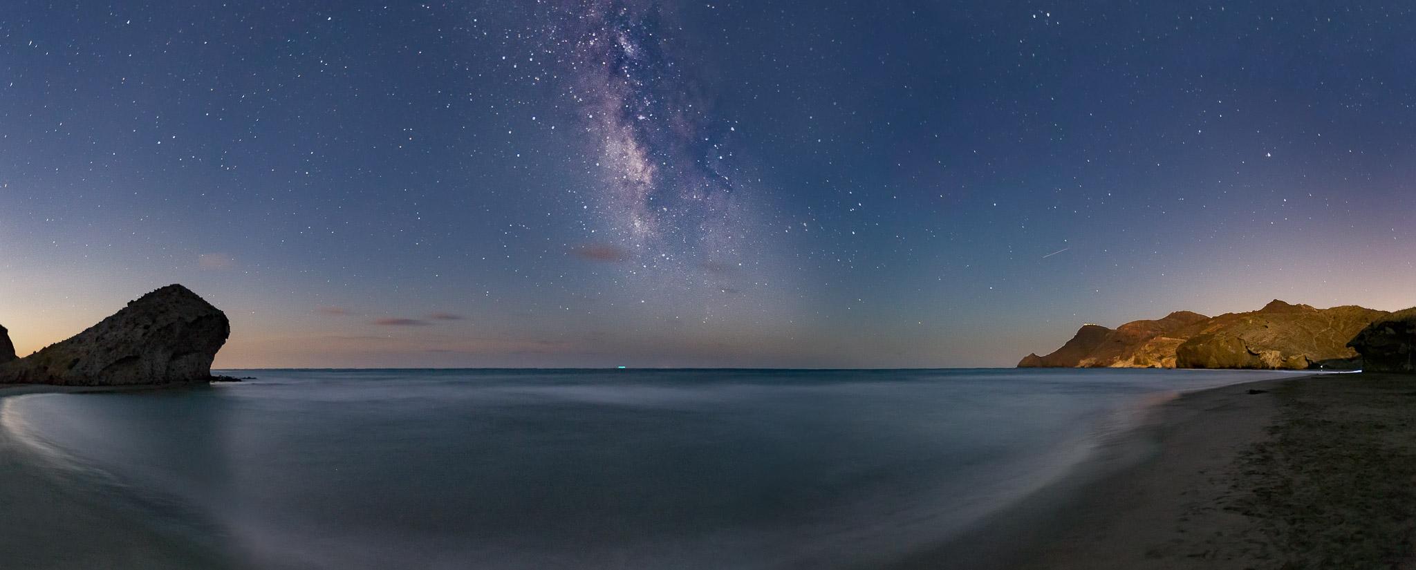 Paisaje de la Playa del Monsul, Almeria, via lactea, panorámica nocturna, canon 6D,Danilatorre,danilatorre, Dani Latorre, daniel Latorre