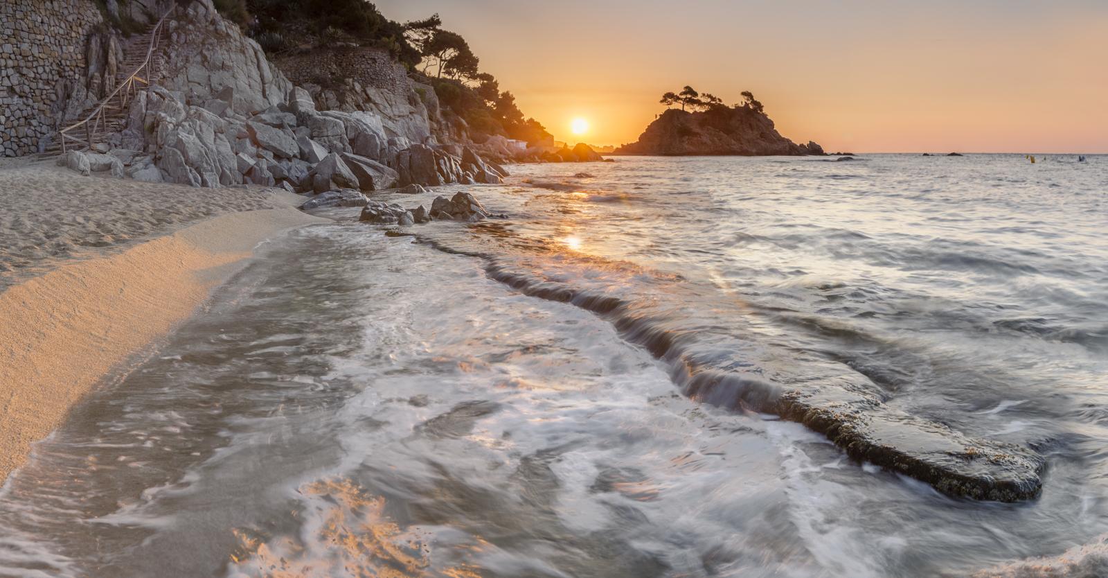 Fotografía de paisaje cala Belladona, Costa Brava, hora azul amanecer. Canon 6D, filtros Nisi, Trípode Rollei,Danilatorre,danilatorre, Dani Latorre, daniel Latorre